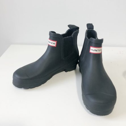 Hunter Black Original Chelsea Rain Boots – Size 6